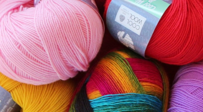 five wools with different colors