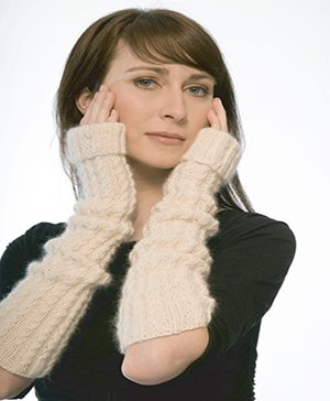 Opera Knitted Gloves Pattern (FREE)